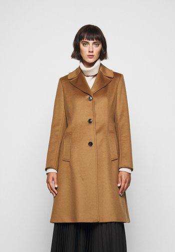 VINCITA - Classic coat - karamell