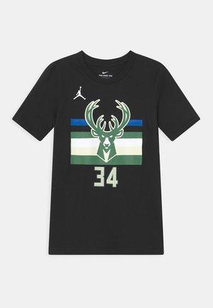NBA MILWAUKEE BUCKS GIANNIS ANTETOKOUNMPO BOYS - Klubové oblečení - black