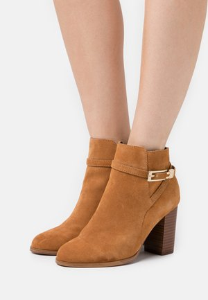 LEATHER - Ankle boots - tan