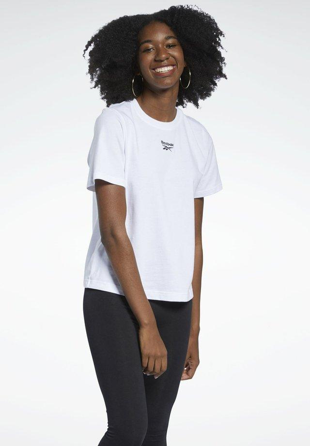 CLASSIC SMALL LOGO CASUAL SHORT SLEEVE - T-shirt basique - white