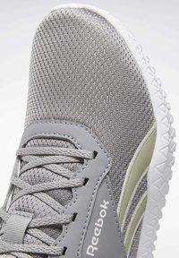 Reebok - REEBOK FLEXAGON ENERGY 2 SHOES - Sneakers - grey - 11