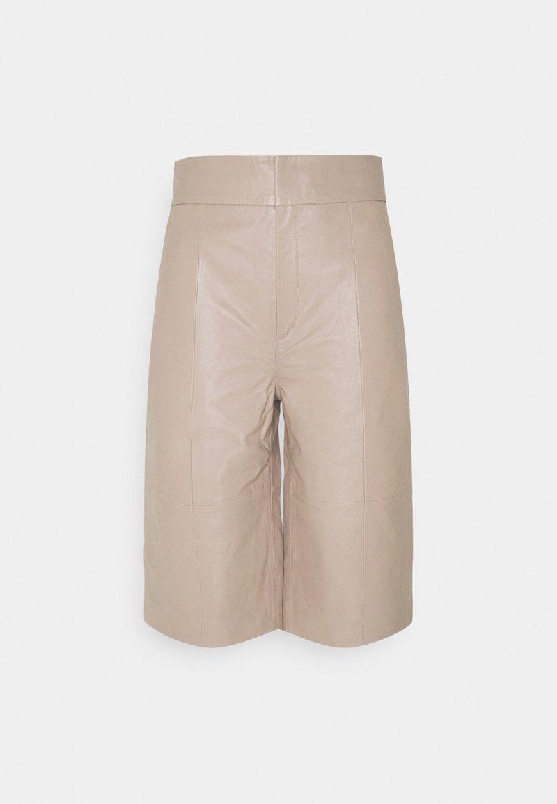 InWear - CHARLEE - Shorts - sandstone