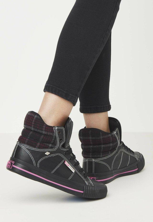 ATOLL - Sneakers laag - black/fuchsia checker/black