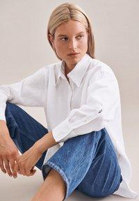 Seidensticker - Button-down blouse - weiss - 4