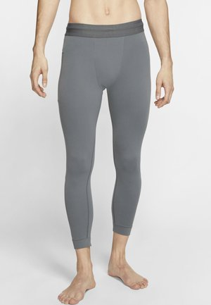 M NK DRY 3QT TGT YOGA - Leggings - iron grey/black