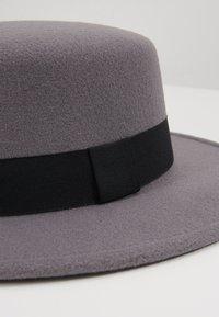 Uncommon Souls - BOATER HAT - Hat - dark grey - 2