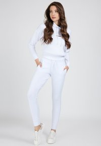 Guess - Tracksuit bottoms - weiß - 1