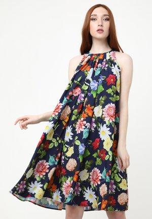 FAVIA - Day dress - blau/koralle