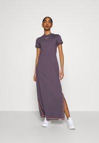 Nike Sportswear - DRESS - Vestido largo - dark raisin/bright mango - 0