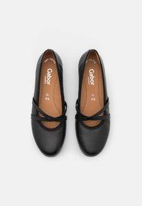 Gabor Comfort - Bailarinas con hebilla - black - 5