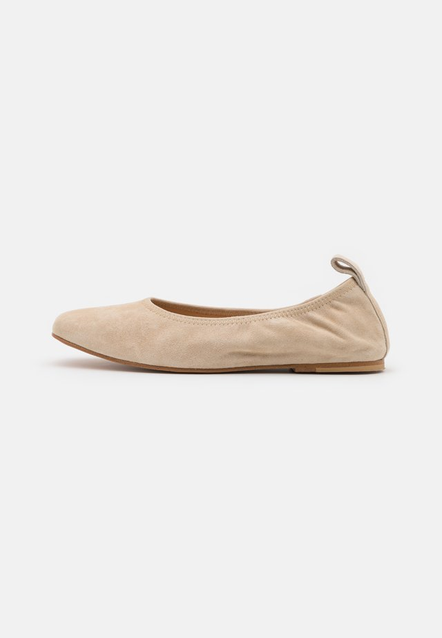 PURE BALLET - Ballerinat - taupe