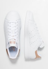 adidas Originals - STAN SMITH - Sneaker low - footwear white/rose gold metallic