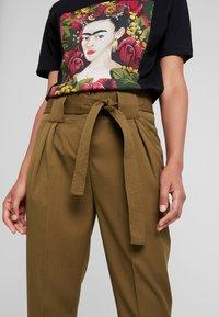 YAS - YASTUDOR PANT - Trousers - military olive - 3