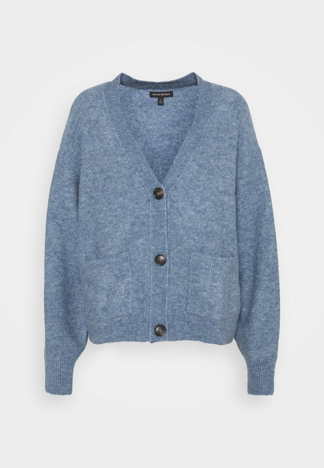 OVERSIZED PATCH POCKET CARDIGAN - Cardigan - light blue