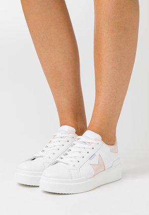 Sneakers basse - nude