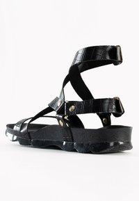 BAYTON - Sandalen met enkelbandjes - black - 2