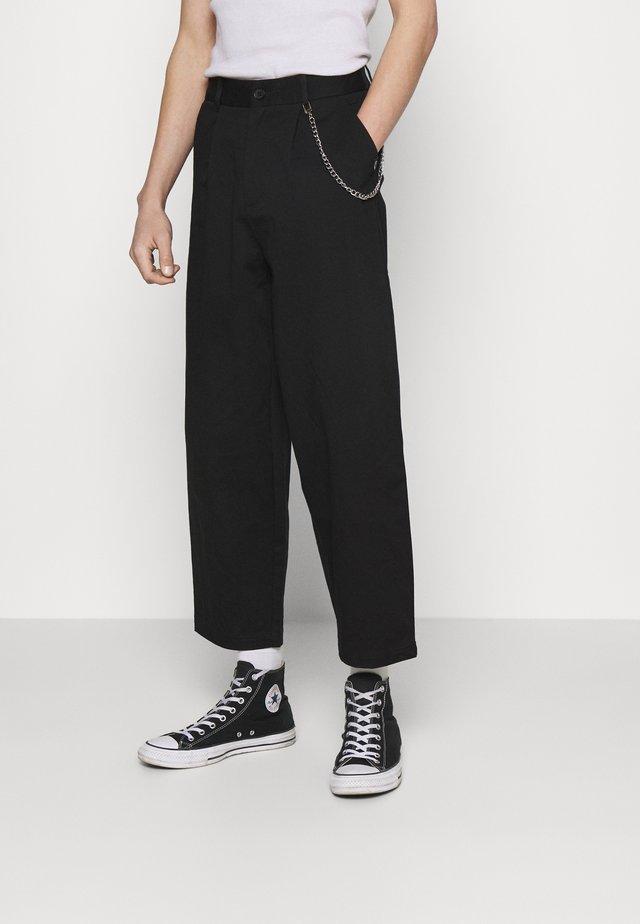TROUSER WITH CHAIN - Pantaloni - black
