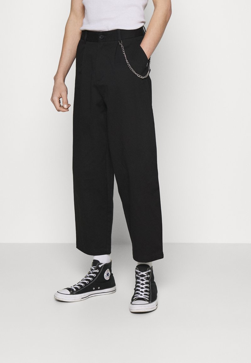 Vintage Supply - TROUSER WITH CHAIN - Trousers - black