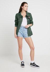 Roxy - FREEDOM FALL - Summer jacket - duck green - 1