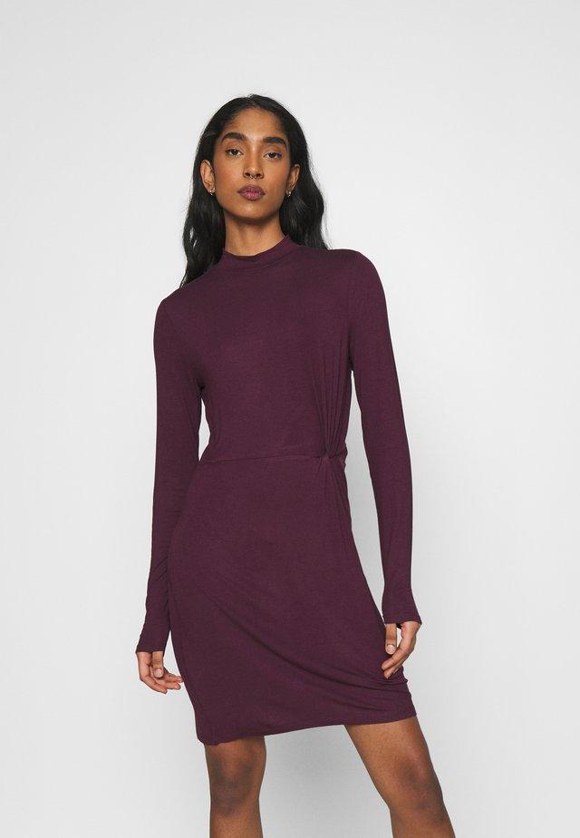 VMNORA SHORT DRESS - Vestido informal - winetasting