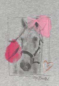 Blue Seven - KIDS GREY HORSE  - Sweater - nebel - 3