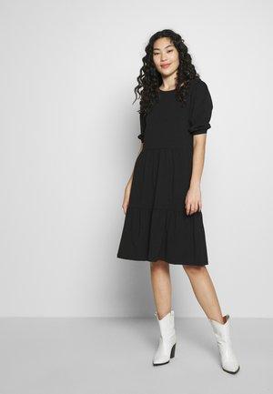 TERESE DRESS TALL - Strikket kjole - black
