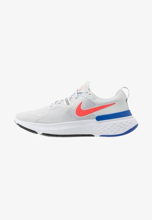 REACT MILER - Neutral running shoes - pure platinum/racer blue/bright crimson