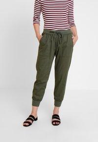 GAP - UTILITY - Pantalones deportivos - baby tweed - 0