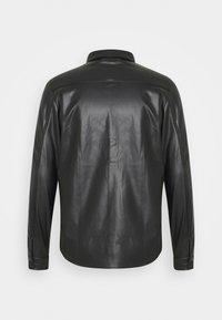 Another Influence - COREY SHIRT - Shirt - black - 1