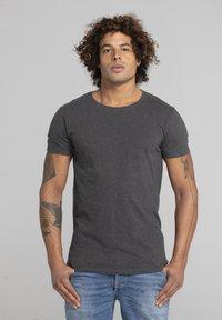Liger - LIMITED TO 360 PIECES - Basic T-shirt - dark heather grey melange - 0