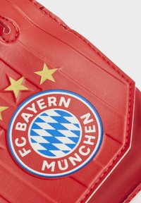 adidas Performance - FC BAYERN GOALKEEPER TRAINING GOALKEEPER GLOVES - Goalkeeping gloves - red - 2