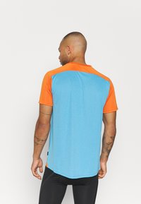 ION - TEE TRAZE - Print T-shirt - inside blue - 2