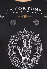 Vero Moda Curve - VMFORTUNA  CURVE - T-shirt med print - black - 5