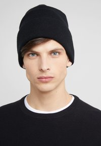 Johnstons of Elgin - CASHMERE BEANIE - Čepice - black - 1