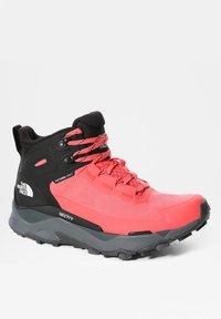 The North Face - W VECTIV EXPLORIS MID FUTURELIGHT - Hiking shoes - fiesta red/tnf black - 6