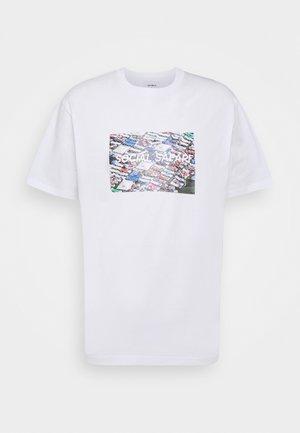 KLIX BED TEE - Print T-shirt - white