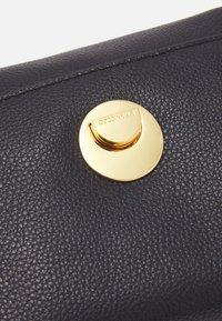 Coccinelle - LIYA - Handbag - noir - 6