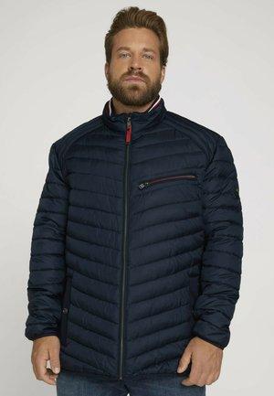 LIGHTWEIGHT STEPPJAKE MIT STEHKRAGEN - Winter jacket - sky captain blue