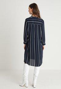 Selected Femme - SFDAMINA 7/8 DRESS  - Shirt dress - dark sapphire - 2