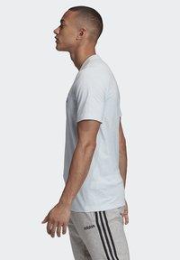 adidas Performance - ESSENTIALS LINEAR LOGO T-SHIRT - Print T-shirt - blue - 3