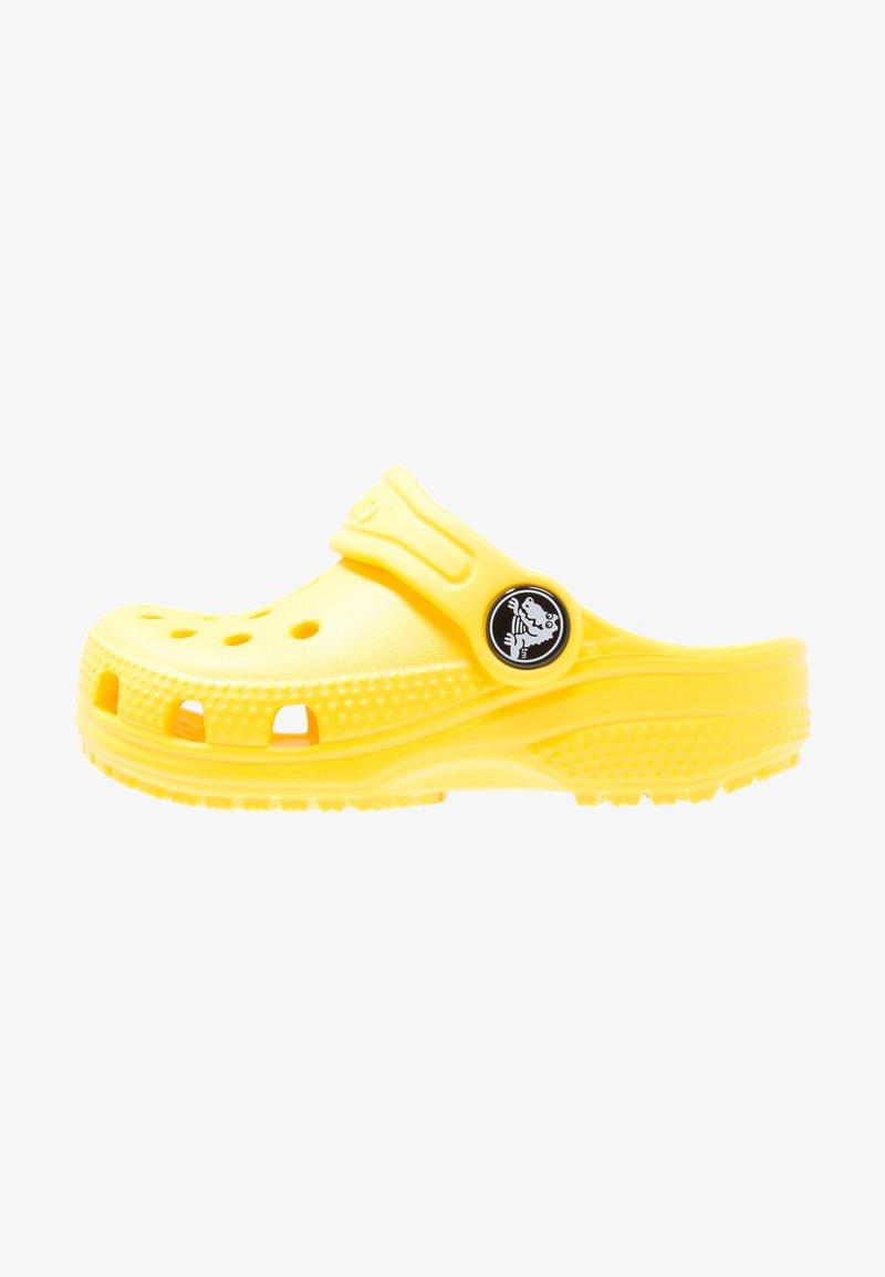 Crocs - CLASSIC UNISEX - Pool slides - lemon