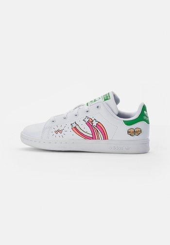 STAN SMITH - Zapatillas - white/white/vivid green