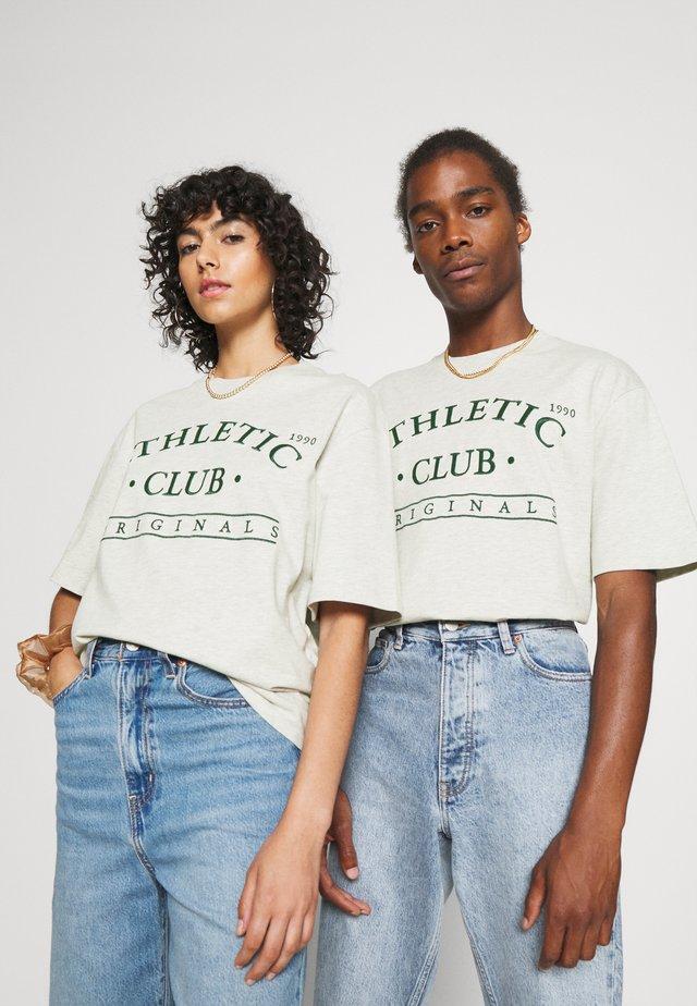 JORTOBIAS TEE CREW NECK FRONT BIG UNISEX  - T-shirts print - white melange