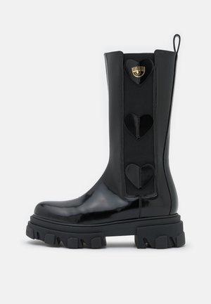 COMBAT BOOT HEARTS - Platform boots - black