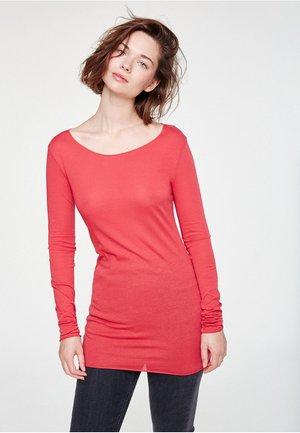 EVAA - Long sleeved top - red