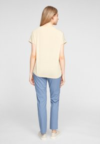 s.Oliver - Print T-shirt - yellow aop - 2