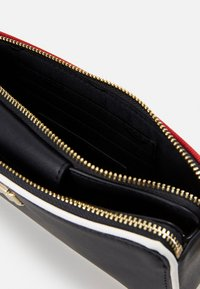 Tommy Hilfiger - CITY MINI CROSSOVER - Clutch - multi - 3