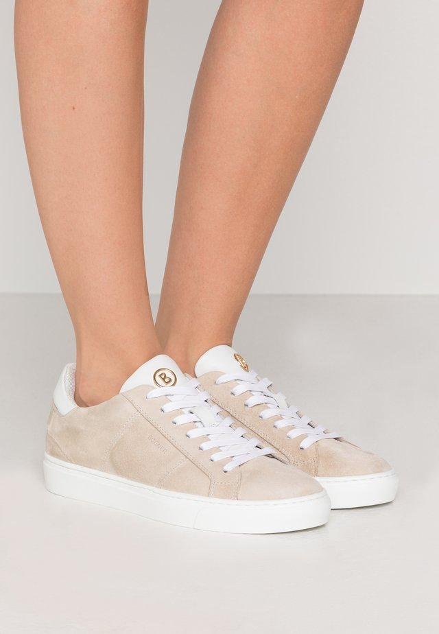NEW SALZBURG  - Sneakersy niskie - ivory