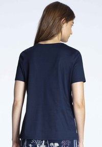 Calida - Pyjama top - dark blue - 2