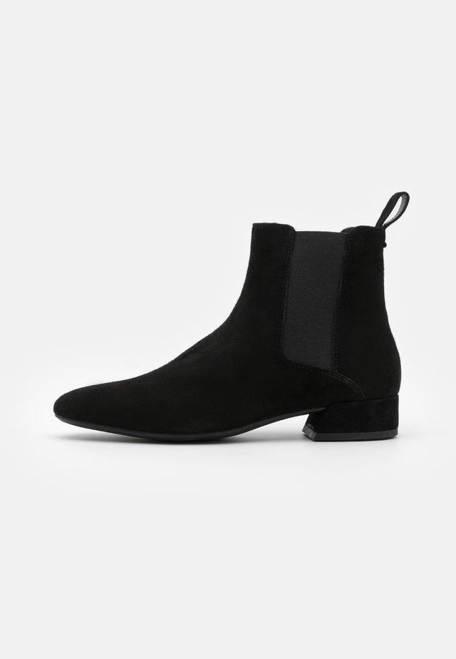 JOYCE - Støvletter - black